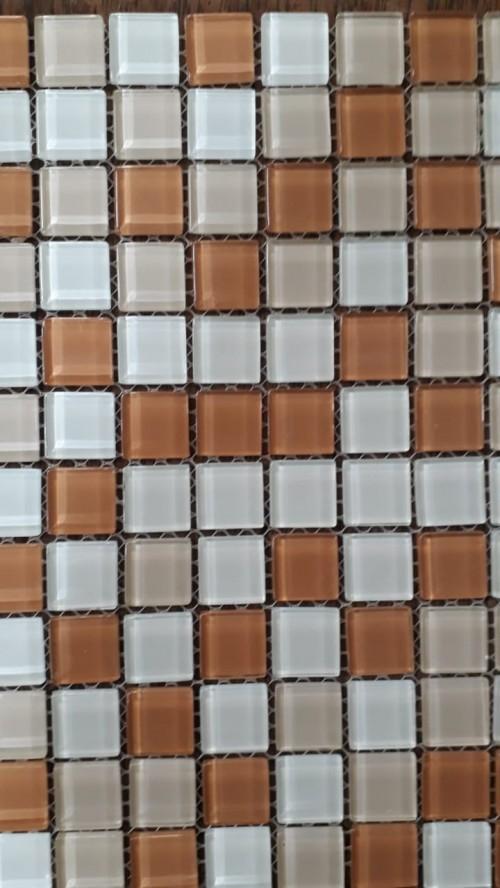 Pastilha 30x30 -10456 Vidro mescla bege ,marrom e branca