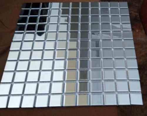 Pastilha 30X30 Metalizada Prata- Não indicado o uso em áreas molhadas